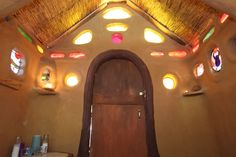 Regardez ce logement incroyable sur Airbnb : A Fairy-tale Gingerbread House - Maisons organiques à louer à Geyserville