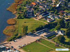 Rådalsgård Strandpark 30, 4040 Jyllinge - Jyllinge, højt beliggende og tæt ved fjord og havn #villa #jyllinge #selvsalg #boligsalg #boligdk