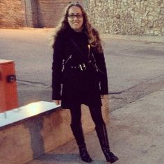 Lo que me gusta este abrigo y lo poco que lo estoy poniendo este invierno... ⚫️⚫️ #ideassoneventos #imagenpersonal #imagen #moda #ropa #looks #vestir #wearingtoday #hoyllevo #fashion #outfit #ootd #style #tendencias #fashionblogger #personalshopper #blogger #me #lookoftheday #streetstyle #outfitofday #blogsdemoda #instafashion #instastyle #currentlywearing #clothes #casuallook #negro #black