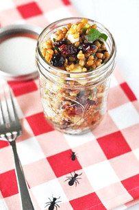 Salada de trigo, frutas vermelhas e maçã