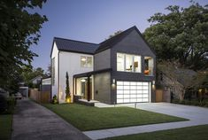 Heights Modern House / Herron Horton Architects
