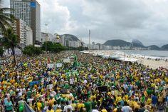 A manifestação do Movimento Vem Pra Rua, no Rio de Janeiro, durou cerca de cinco horas e ocupou vários quarteirões nas duas faixas da Avenida Atlântica, na orla de Copacabana, zona sul da cidade. O…