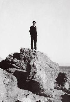Nikos Kazantzakis in Aegina. Autumn 1927.