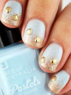 blue wedding nails with gold shell decoration