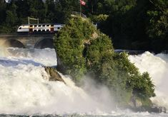 This is a record - there is no other waterfall in Europe bigger than the Rheinfall. This is experienced in a most impressive way on a boat trip through the Rheinfall basin, of which the highlight is the climb up the famous rock in the midst of the thunderi