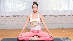 Prenatal Yoga: A Pelvic Floor Sequence for an Easier Labor + Delivery - prenatal workout Prenatal Workout, Prenatal Yoga, Pregnancy Workout, Pregnancy Video, Floor Workouts, Easy Workouts, Namaste, Pelvic Floor Exercises, Yoga Exercises