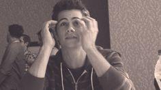 dylan gif - running fingers through his hair *sigh* ;)
