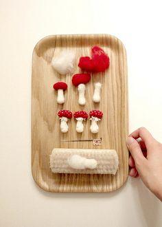 making goooooooo. making goooooooo. Mushroom Crafts, Felt Mushroom, Felt Diy, Felt Crafts, Diy Crafts, Needle Felted Cat, Waldorf Crafts, Needle Felting Tutorials, Wet Felting