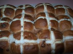 Forum Thermomix - The best Thermomix recipes and community - Maddy's Chocolate Hot Cross Buns Thermomix Bread, Thermomix Desserts, Hot Cross Buns Bread Machine Recipe, Chocolate Hot Cross Buns, Cooking Chef, Cooking Ideas, Bread And Pastries, Yummy Treats, The Best