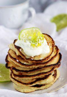 http://ostra-na-slodko.pl/2016/02/08/rafaello-pancakes-racuszki-kokosowo-migdalowe/