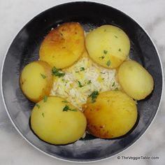 Chelo sabzamini Rice pilaf enhanced with golden potatoes, for when you just can't decide between your two favorite starches.