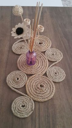 Getting to Know Brazilian Embroidery – Embroidery Patterns - Dekoration Ideen 2020 Jute Crafts, Fabric Crafts, Sisal, Embroidery Patterns, Hand Embroidery, Embroidery Stitches, Rope Decor, Diy Crafts For Home Decor, Decoration Crafts
