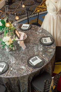 Photography by: Chelsea Anderson Photography Linens by: Waterford Event Rentals