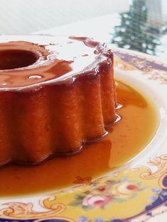 Pudim francês é um daqueles doces que me faz salivar só de falar :)), mas sempre que penso nesta sobremesa, a minha memória leva-me, invaria...