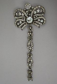 Pendant or stomacher, France, 18th century