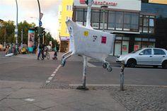 plastifizierter Einkaufswagen - Streetart in Berlin