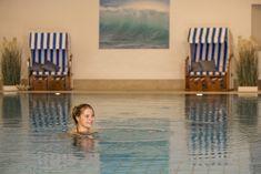 Im Dünenbad am Weissenhäuser Strand erwartet Euch ein breitgefächertes Wellness- und Fitnessangebot. Freut Euch auf großzügige Schwimmbecken, wohltuende Dampfbäder und vieles mehr. #ostsee #strand #wellness Weissenhäuser Strand, Wellness Fitness, Tub, Massage, Outdoor Decor, Steam Bath, Swiming Pool, Amusement Parks, Swimming