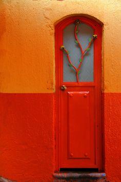 Bright door, makes me think of @Chrissy Prewit Dolezal!