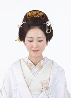 和装ヘアメイク | 大阪の住吉大社で神前結婚式。神社での挙式なら住吉大社吉祥殿