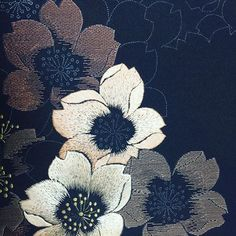 #日本刺繍 #着物 #訪問着#桜 #ひたすらチクチク#程遠い完成 #がんばるしかない