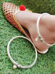 Gel Toe Nails, Gel Toes, Silver Jewellery Indian, Silver Jewelry, Groom Wedding Jewellery, Ankle Jewelry, Silver Anklets, Antique Necklace, Toe Rings