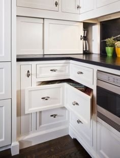 Corner Drawers with cupboard for kettle/toaster