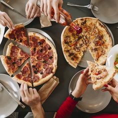Come and get some pizza love 🍕❤️ Restaurant Photos, Restaurant Menu Design, Pizza Restaurant, Pizza Hurt, Pizza Facil, Lamb Ribs, Fast Food Menu, Pita, People Eating