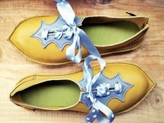 Titiana fairy / elven shoes, mustard color (Etsy)