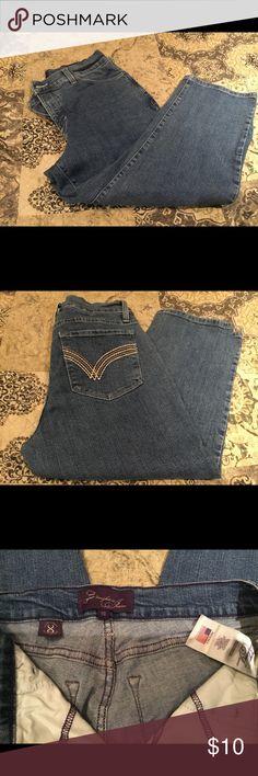 Not Your Daughters Jeans Capri size 10 Nice condition NYDJ Capri size 10. NYDJ Pants Capris
