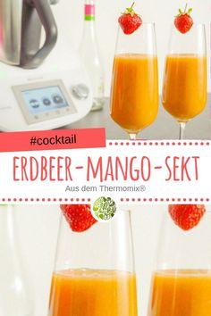 Erfrischender Erdbeer-Mango-Sekt aus dem Thermomix®️ Ruck Zuck zubereitet, ein cooles Getränk für heiße Tage oder Nächte.#thermomix #cocktail #mixgetränk #willmixen