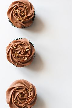 milk chocolate vanilla cupcakes ☆