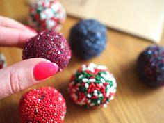 Brigadeiros - Helpot itsetehdyt makeiset valmistetaan vain kolmesta aaka-aineesta! Tämä on joulun helpoin itsetehtävä karkkivinkki!