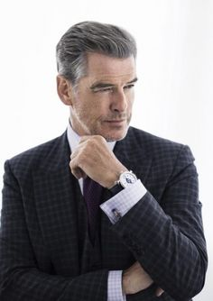 The On- And Off-Screen Watches Of Brosnan, Pierce Brosnan Business Portrait, Corporate Portrait, Corporate Headshots, Pierce Brosnan, Poses For Men, Male Poses, Senior Girl Photography, Photography Poses, Photos Portrait Homme