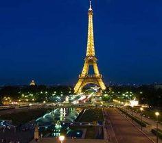 Las 30 mejores cosas que hacer en París. Ante ti se encuentra la llave que te abrirá las puertas a la ciudad: una guía con los mejores lugares de la zona, creada por anfitriones locales de Airbnb