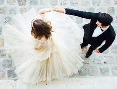 15 Unique & Essential Wedding Photography Pose Ideas for Couples Looking for wedding photography inspiration? Check out these 15 unique and essential wedding photography pose ideas for couples that will wow your clients. Wedding Reception Photography, Wedding Photography Inspiration, Wedding Inspiration, Reception Gown, Bridal Photography, Reception Ideas, Photography Ideas, Wedding Fotos, Wedding Pictures