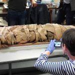 Cherbourg : la momie vieille de 3.000 ans va passer au scanner via @fbleucotentin  https://www.francebleu.fr/infos/societe/cherbourg-la-momie-vieille-de-3000-ans-va-passer-au-scanner-1474292574pic.twitter.com/uRV1jPtvpZ