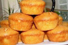 Cornuri din aluat de brânză umplute cu dulceață - un desert excelent pentru cafeaua de dimineață... - Bucatarul Vegan, Cornbread, Sweet Potato, Muffin, Dairy, Food And Drink, Cheese, Vegetables, Breakfast