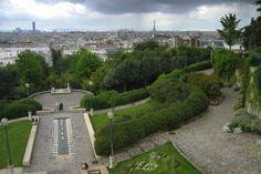 Paris vu de haut : le parc de Belleville. Paris from the heights of Belleville Park.
