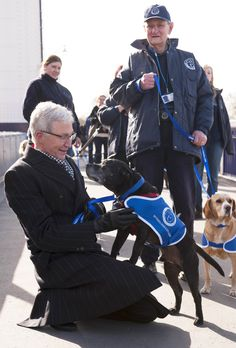 Paul visits the Chelsea Pensioners http://www.battersea.org.uk/about_us/paul_o_gradys_for_the_love_of_dogs/index.html