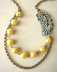 Asymmetrical pendant, chain, pearl necklace