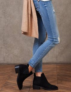 Elasticated ankle boots - Boots and ankle Boots Cool Outfits, Casual Outfits, Fashion Outfits, Ankle Boots, Shoe Boots, Fall Maternity Outfits, Pretty Shoes, Crazy Shoes, Fall Winter Outfits