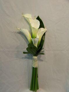 white calla lily bouquet for bridesmaids Calla Lily Bridesmaid Bouquet, Calla Lily Wedding, Diy Wedding Flowers, Flower Bouquet Wedding, Calla Lily Boutonniere, Wedding Ideas, Bridesmaids, Wedding Decorations, Calla Lily Flowers