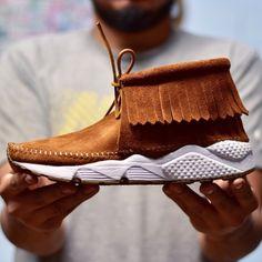 Un custom Nike x Minnetonka aux airs de Visvim | Sneakers.fr