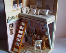 Hand-made miniature Scene scale Smile by Pequeneces on Etsy. Note to self: inspiration piece for artist loft or dorm room Vitrine Miniature, Miniature Rooms, Miniature Houses, Miniature Furniture, Doll Furniture, Dollhouse Furniture, Diy Dollhouse, Dollhouse Miniatures, Fun Crafts