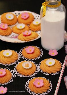 Butter Cookies w/ Spring Fondant Flowers by theresahelmer on DeviantArt