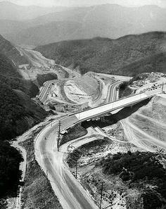 (1961)- 405 FREEWAY (Under Construction)