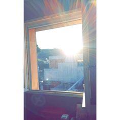 #dat #fucking #light #morning #sun #sunlight #sunrise #good #day #or #bad #nature #window #colline #construction #saintcyrsurmer #stcyrsurmer #french #frenchriviera #instaphoto #instagram #instagood #instapic #instamoment #smoke #windows #lightning #color #colors
