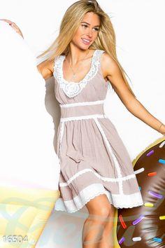 Кокетливое платье - мини must have у каждой современной модницы! Эта модель выполнена из легкого слегка просвечивающегося материала, который подарит вам приятные тактильные ощущения, а воздух будет свободно поступать сквозь ткань. Оборка платья сделана из плотной ткани с вышивкой. #dress #clothes #style #платье #мини #бежевое #нежное #одежда #стиль http://gepur.com/
