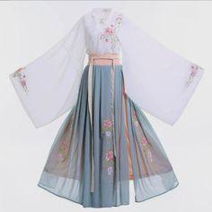 Old Fashion Dresses, Kimono Fashion, Fashion Outfits, Kawaii Fashion, Lolita Fashion, Cute Fashion, Pretty Outfits, Pretty Dresses, Hanfu