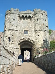 Carisbrooke Castle, Isle of Wight, UK As I was a Newport girl, this was a regular sight. Oh The Places You'll Go, Places Around The World, Places Ive Been, Places To Visit, Around The Worlds, Image Photography, Travel Photography, Carisbrooke Castle, Fantasy Castle